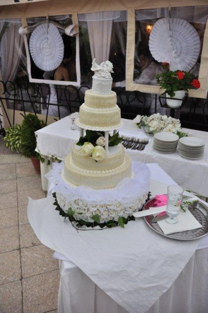 Ako to prebiehalo v deň D - svadobná tortička