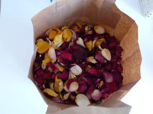 usušené růžičky do kornoutků místo rýže