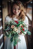 Lenka měla opravdu kouzelnou svatební kytici sladěnou s věnečkem na hlavě <3