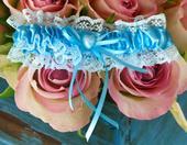 Krajkový modrý podvazek s petleťovým srdcem , S