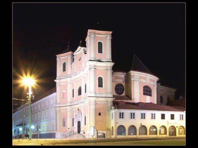 Ivetka a Lukáš - toto je náš osudný kostolík