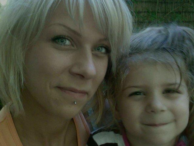 Nase prípravičky na vytúžený dníček - ja s mojou dcerkou Vanesskou