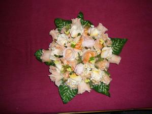 Veeelká kytice na auto novomanželů