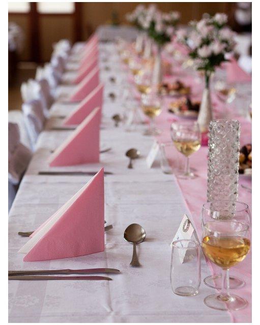 Katka B.{{_AND_}}Milan K. (23. 4. 2010) - a takhle jsme vyzdobili svatební tabuli
