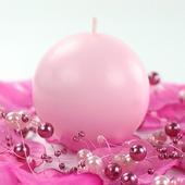 Růžové kulaté svíčky,