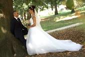 svadobné šaty aj s kruhom, 36