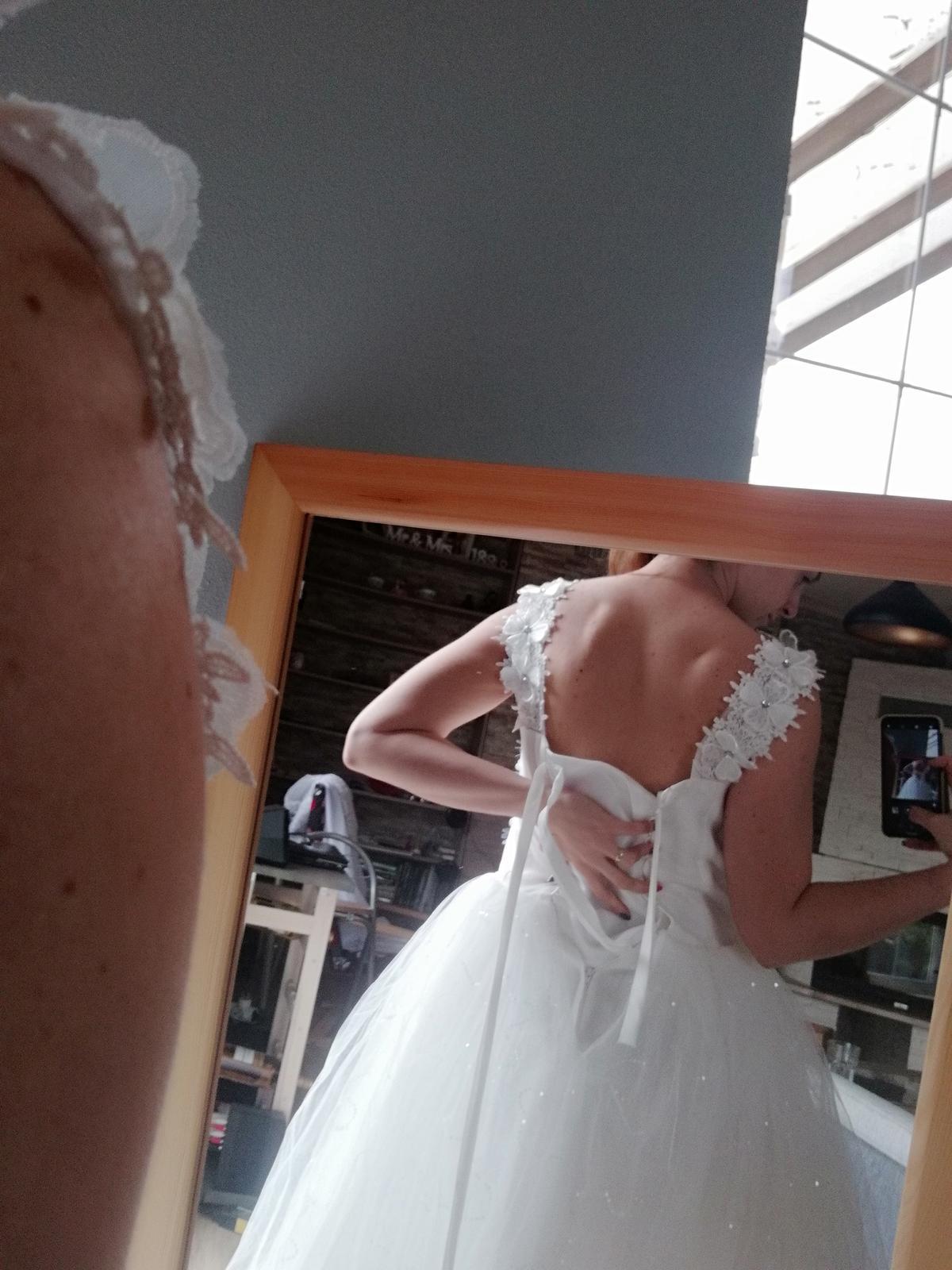 Trblietave kvietkovane Svadobné šaty S  - Obrázok č. 4