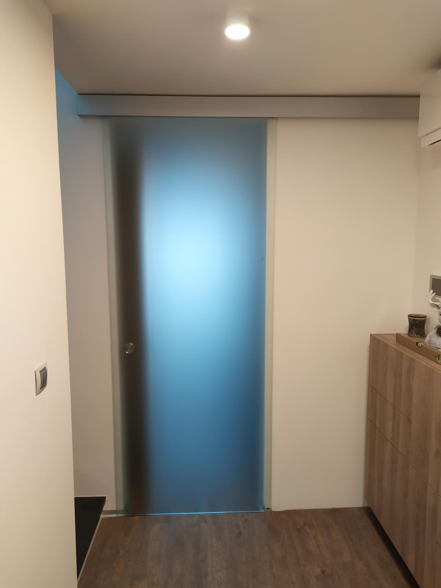 Realizácia sklenených posúvnych dverí. Ak máte aj Vy záujem kontaktujte nás na pmglass@pmglass.sk. - Obrázok č. 1