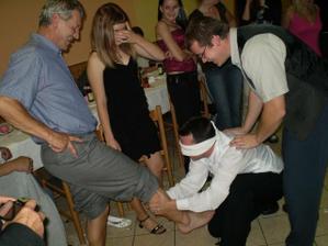 ...tady zase ženich nevěstu