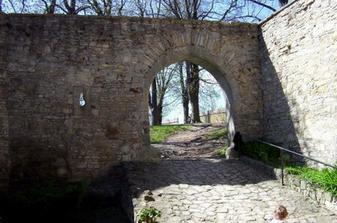 hrad Košumberk - brána
