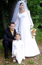 manžel s jeho dcérkou, naša družička