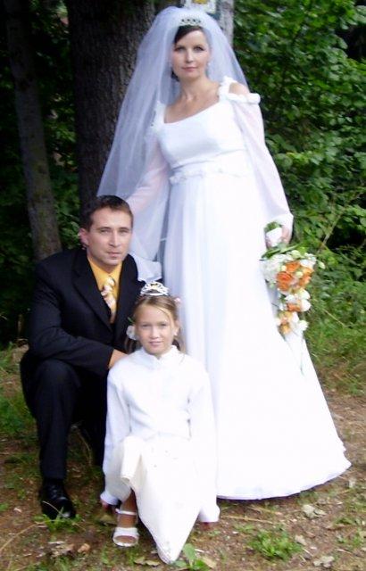 Lenka{{_AND_}}Mikinko - manžel s jeho dcérkou, naša družička
