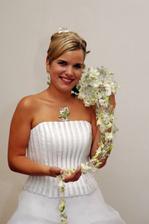 nevěsta a kytička z blízka pro váš přehled:)
