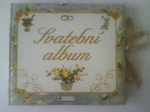 krasny svadobny album sme vcera dostali od nasej Veronicky...dakujemeeee :)..