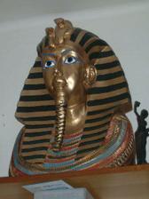 A tady toho Tutanchamona nad plazmou , už ho máme doma :-))