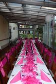 Kompletní dekorace v růžové na svatební tabuli,
