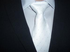 detail košile, kravaty a obleku