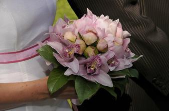 svatebí kytice z pivoněk
