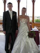 Fotky ze ellyininy svatba - těsně po obřadu ve Viničním altánu, stejné místo, jako budeme mít my :O)