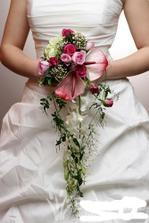 Nádherná vazba - na tento styl mne navedla moje floristka (toto je inspirace od někoho jiného) - musím říct, že jsem touto vazbou okouzlena