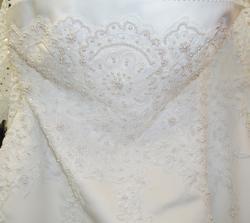 šaty 8. - detail šatů ze předu