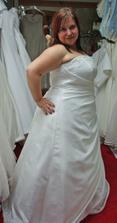 šaty 12. - zboku