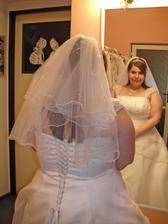 šaty 13. - krátký závoj