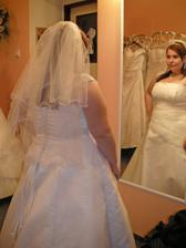 šaty 13. - dlouhý závoj