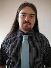 Ženich - detail košile a kravaty na večer