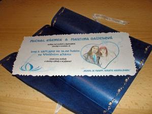 Oznámení - kartička vyndaná z papíru