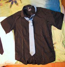 Oblečení ženich - Košile s kravatou na převlečení varianta 1, košile má hnědé a tyrkysové proužky, je moc krásná. Ale protože je tmavá bude použita až hodně pozdě večer nebo až druhý den :o) Kravata je tyrkysová viz dále v detailu