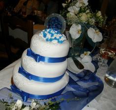 Náš dortík, škoda, že se začal klátit