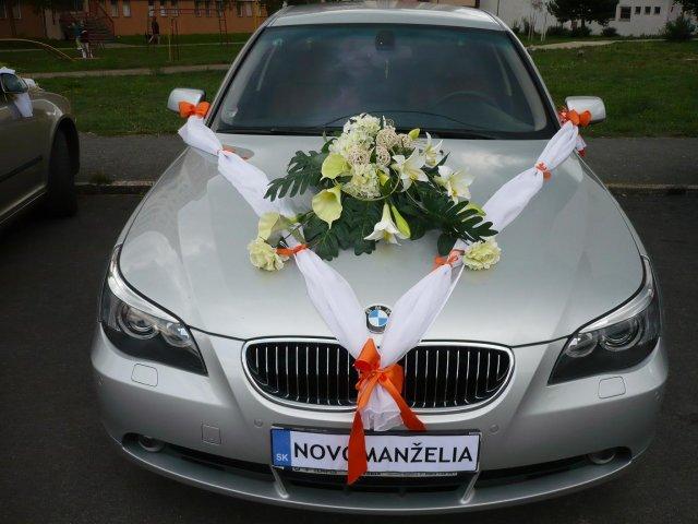 Ivana Solárová{{_AND_}}Stanislav Hulina - nevestina auto