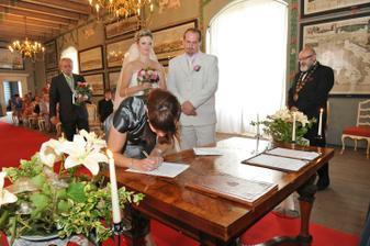 a svědkyně nevěsty