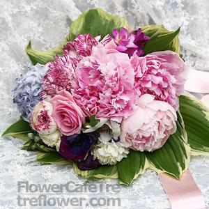"""Nase pripravy - 07.06.08 - co """"bridal bouquet"""" v googli to pivonky :D"""