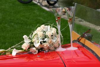 kytička, poháriky a obrúčky