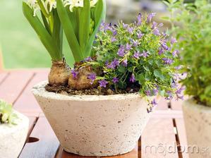 Vyrábame kvetináče z betónu vhodné pre skalničky, letničky a bylinky