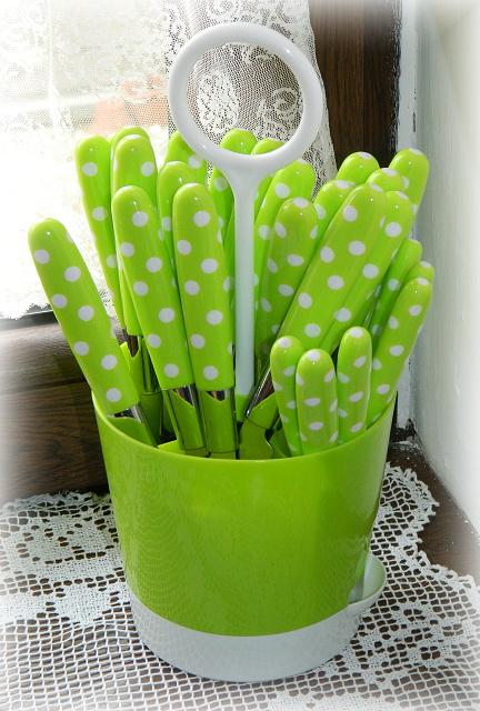 Náš už bývalý domček - kupila som aj pre mamu :) chcela zeleny na leto :)