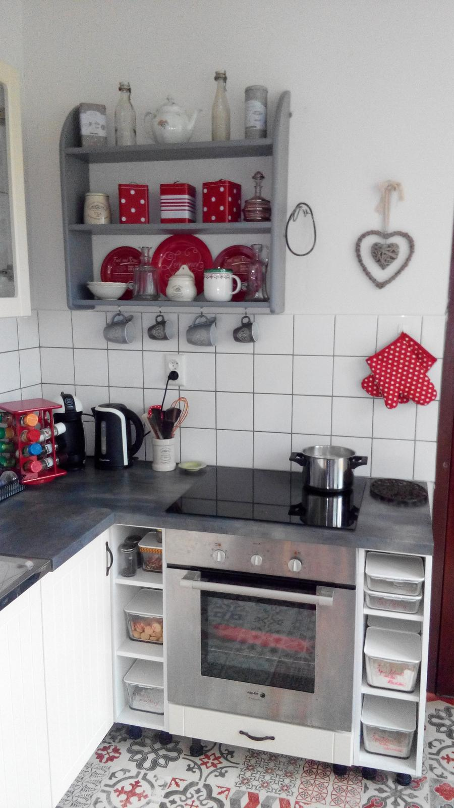 Kuchyňa - Tu som to tiez prehodila a pribudlo srdiecko