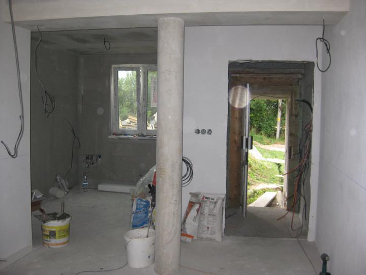 Náš domček - Kuchyňa a vchod