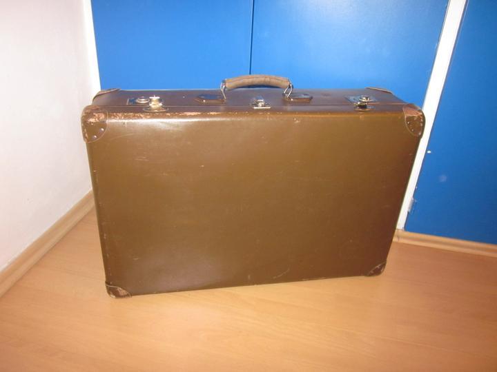 Moje výtvory - Starý kufr před zásahem...