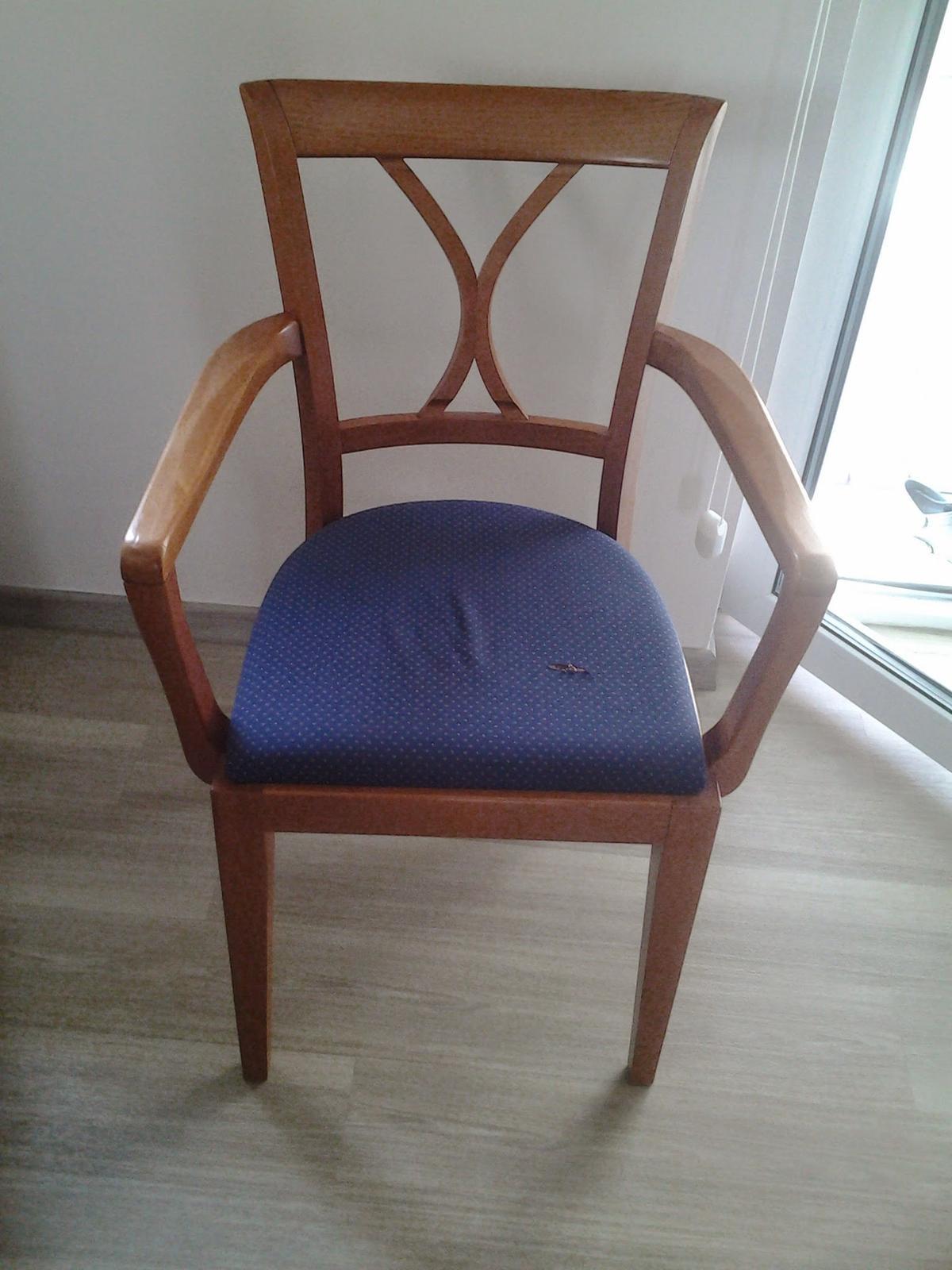 Moje výtvory - Židle Ton z aukra (za stovku- no nekup to :-) )před úpravou...