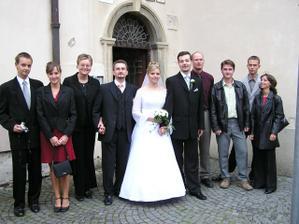 časť kamarátov, všetci svadobčania by sa sem nezmestili