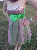 Zeleno růžové šaty, 34