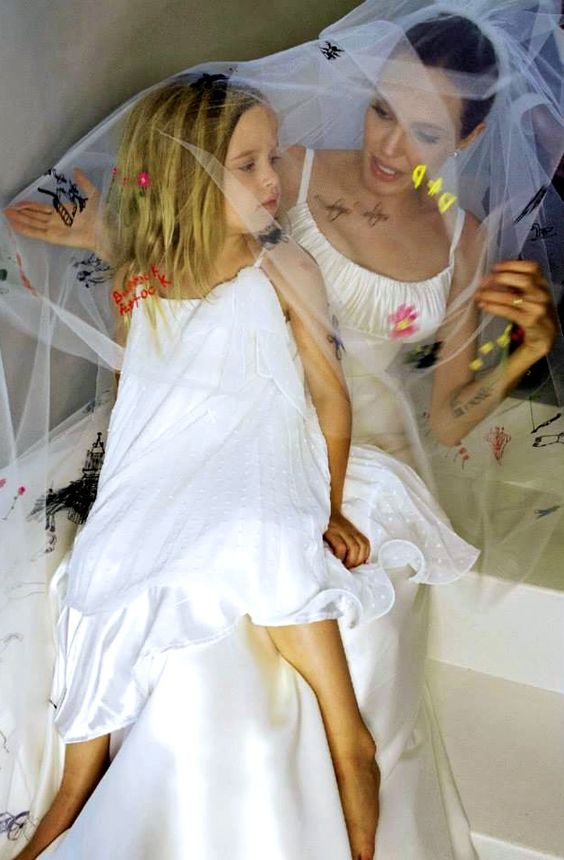 Angelina Jolie a Brad Pitt - Obrázek č. 10