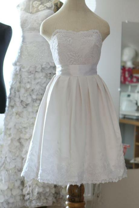 Krátke svadobné šaty - Obrázok č. 1
