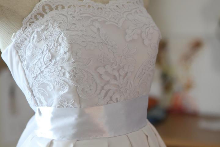 Krátke svadobné šaty - Obrázok č. 2