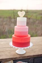 krásna tortička v ombre tónoch