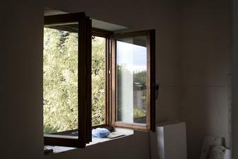 konečně jsem natřel okno i v kuchyni