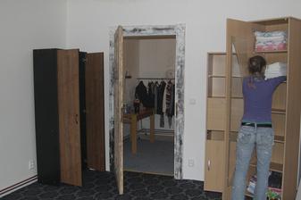 Stěhování do obýváku, zatím to bude ložnice...